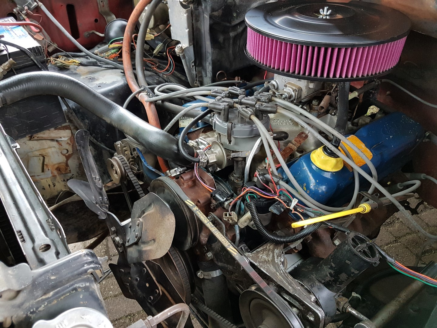 1985 Ford F150 extended cab 302ci (1)