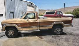 1985-Ford-F250-Lariat-4x4-460ci-13
