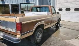 1985-Ford-F250-Lariat-4x4-460ci-3