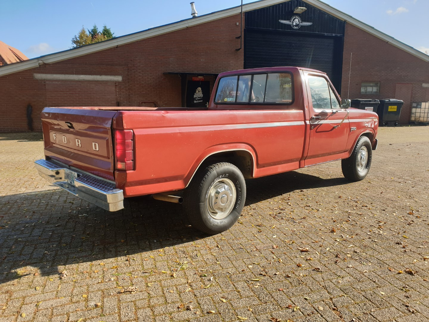 1985-Ford-F250-with-302ci-V8-and-4-speed-automatic-6