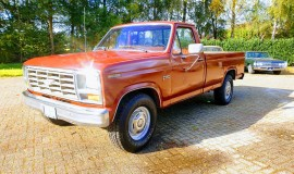 1985-Ford-F250-with-302ci-V8-and-4-speed-automatic-1