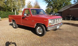 1985-Ford-F250-with-302ci-V8-and-4-speed-automatic-8