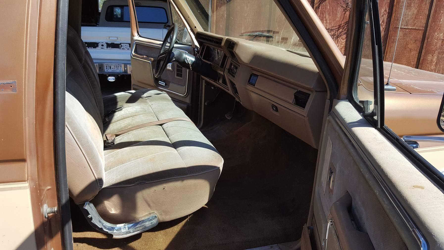 1986 Ford F150 Lariat (6)