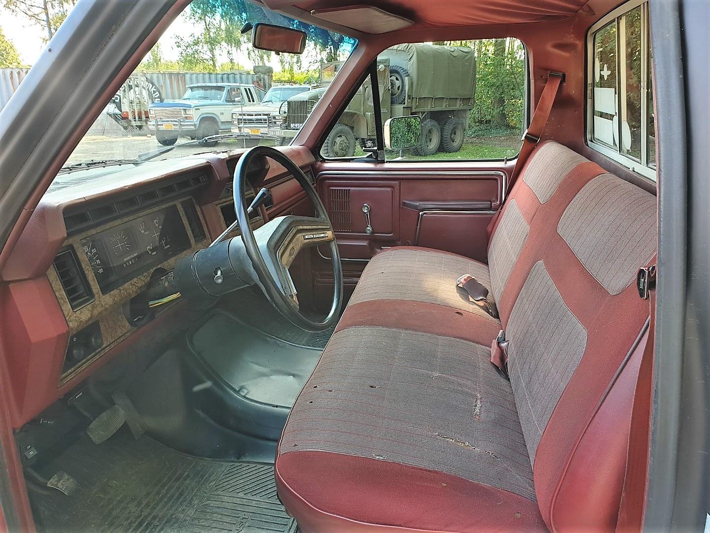 1986-Ford-F150-5L-V8-4-speed-10