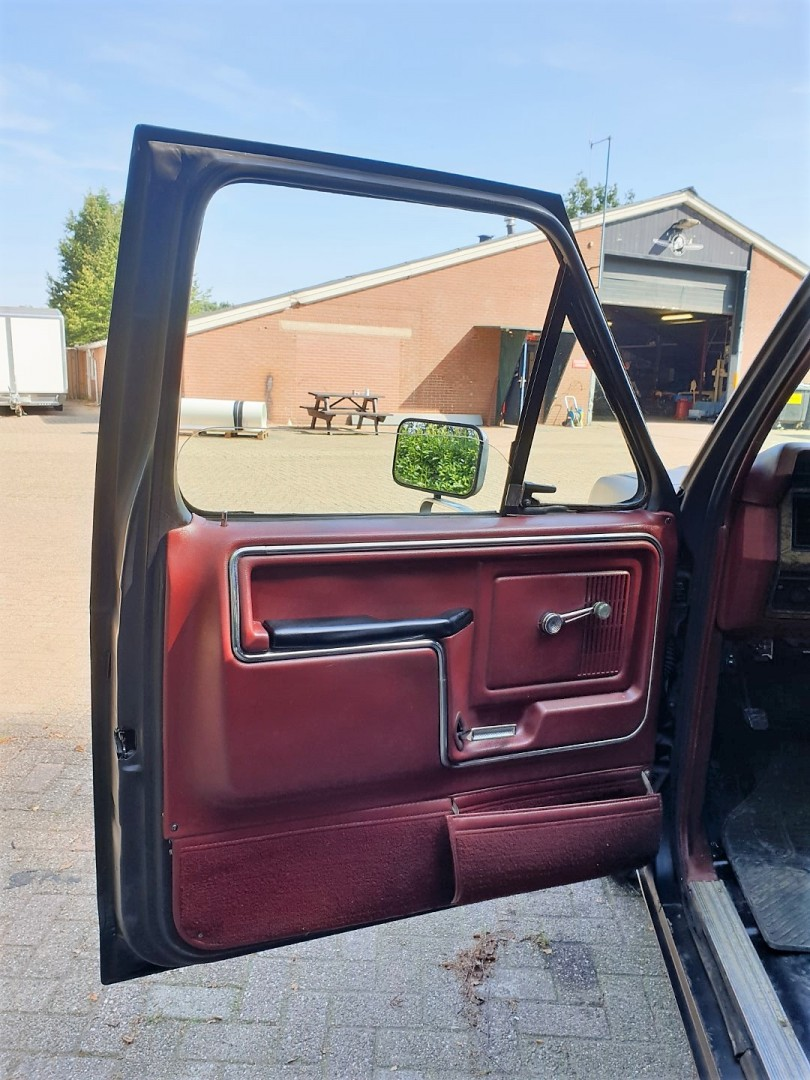 1986-Ford-F150-5L-V8-4-speed-11