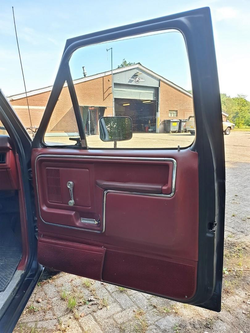1986-Ford-F150-5L-V8-4-speed-13