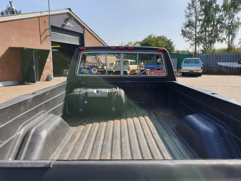 1986-Ford-F150-5L-V8-4-speed-5