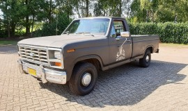 1986-Ford-F150-5L-V8-4-speed-1