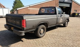 1986-Ford-F150-5L-V8-4-speed-6