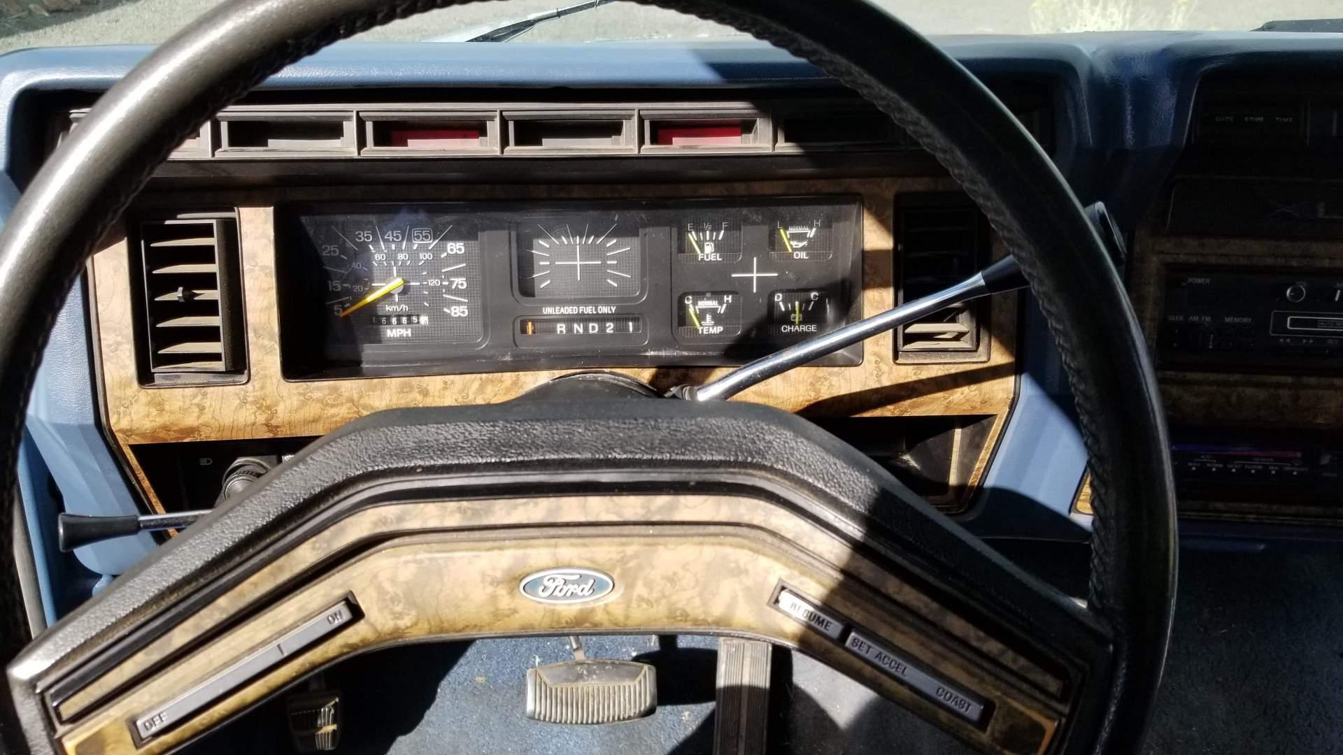 1986-Ford-F150-XLT-351ci-17