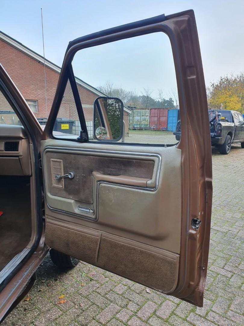 1986-Ford-F250-4x4-Lariat-460ci-V8-13