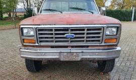 1986-Ford-F250-4x4-Lariat-460ci-V8-17