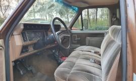 1986-Ford-F250-4x4-Lariat-460ci-V8-9