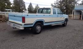 1986-Ford-F250-SuperCab-Lariat-460ci-V8-blue-white-11
