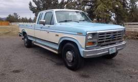 1986-Ford-F250-SuperCab-Lariat-460ci-V8-blue-white-12