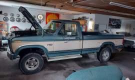 1986-Ford-F250-XLT-4x4-460ci-automatic-2