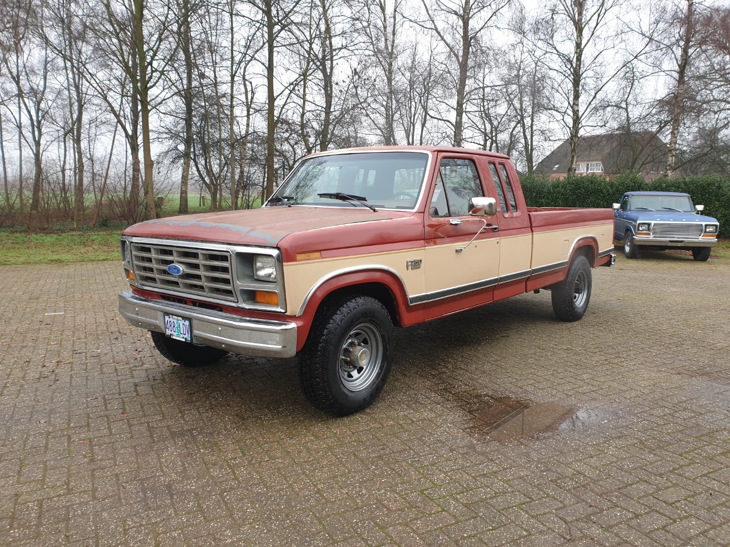 1986-Ford-F250-XLT-Lariat-SuperCab-with-460ci-V8-and-automatic-1
