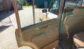 1986-Jeep-Grand-Wagoneer-4x4-360i-13