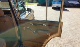 1986-Jeep-Grand-Wagoneer-4x4-360i-16