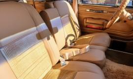 1986-Jeep-Grand-Wagoneer-4x4-360i-18