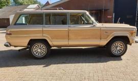 1986-Jeep-Grand-Wagoneer-4x4-360i-6