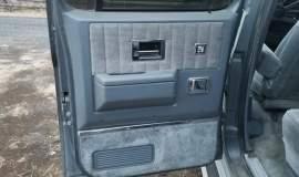 1989-Chevrolet-Suburban-2500-350ci-V8-17