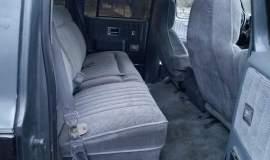 1989-Chevrolet-Suburban-2500-350ci-V8-18