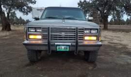 1989-Chevrolet-Suburban-2500-350ci-V8-7