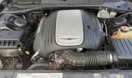 2005-Chrysler-300c-5.7-Hemi-V8-12