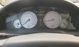 2005-Chrysler-300c-5.7-Hemi-V8-13