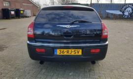 2005-Chrysler-300c-5.7-Hemi-V8-4