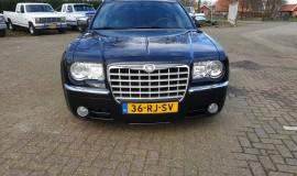 2005-Chrysler-300c-5.7-Hemi-V8-8