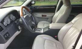 2005-Chrysler-300c-5.7-Hemi-V8-9