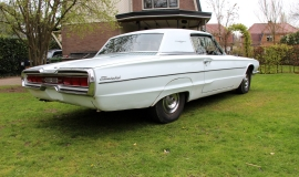 1966 Ford Thunderbird Town Hardtop 390 - White Blue (1)