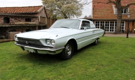 1966 Ford Thunderbird Town Hardtop 390 - White Blue (15)