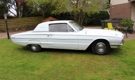 1966 Ford Thunderbird Town Hardtop 390 - White Blue (18)