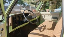 1975-Chevrolet-C20-Custom-Deluxe-350ci-10