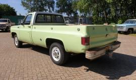1975-Chevrolet-C20-Custom-Deluxe-350ci-3