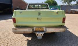 1975-Chevrolet-C20-Custom-Deluxe-350ci-4