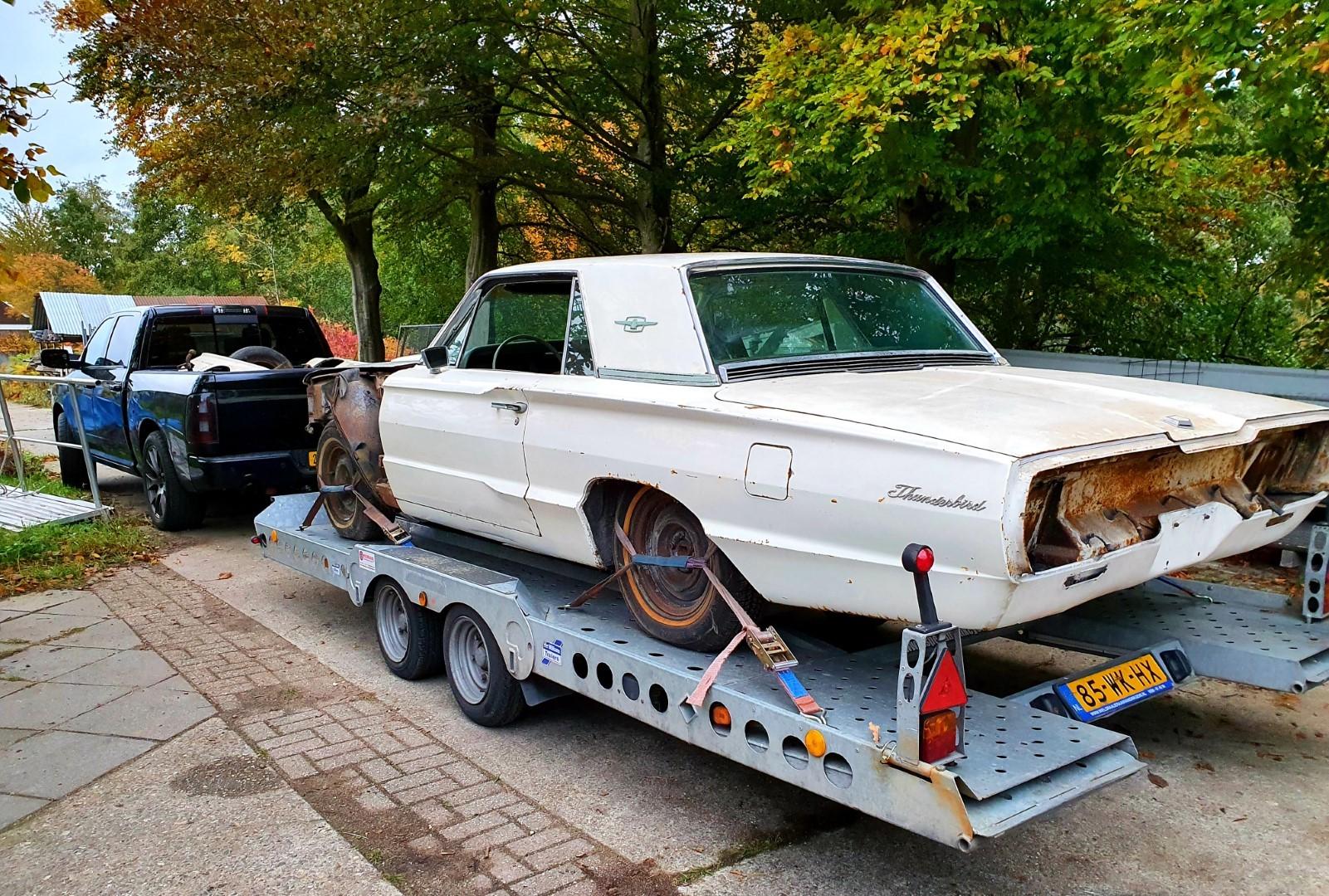 1965-Ford-Thunderbird-390ci-18